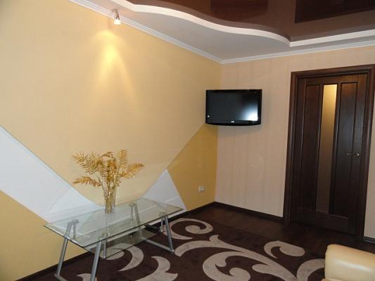 3-комнатная квартира посуточно в Никополе. ул. Станиславского, 38. Фото 1