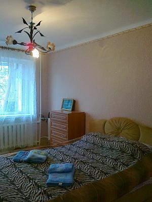2-комнатная квартира посуточно в Симферополе. Киевский район, пр-т Кирова, 68. Фото 1