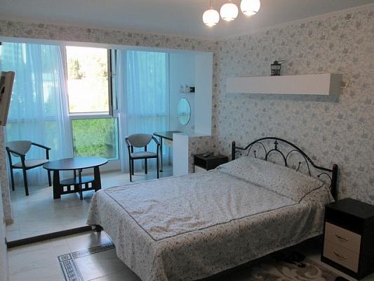 2-комнатная квартира посуточно в Алуште. ул. Перекопская, 4в. Фото 1