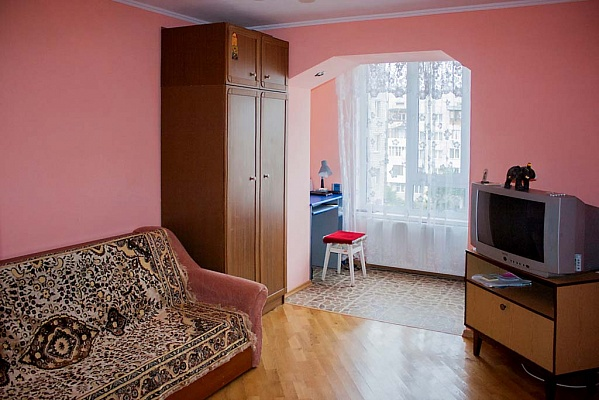 2-комнатная квартира посуточно в Трускавце. ул. Мазепы, 30. Фото 1
