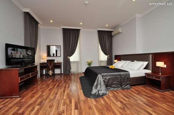 1-комнатная квартира посуточно в Северодонецке. ул. Курчатова, 32. Фото 1