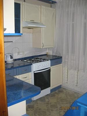 1-комнатная квартира посуточно в Артемовске. ул. Независимости (Советская), 55. Фото 1