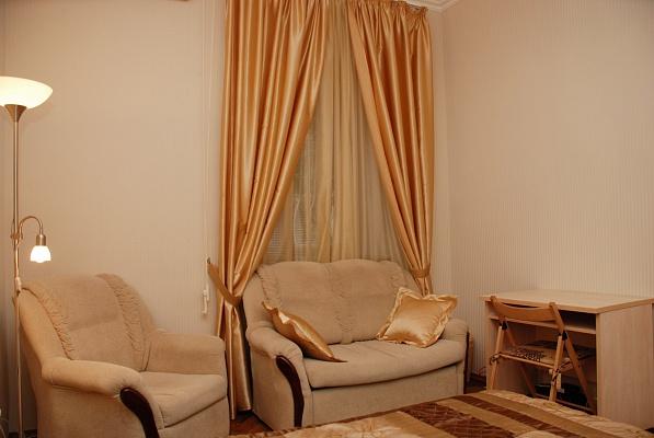 1-комнатная квартира посуточно в Киеве. Печерский район, ул. Крещатик, 21. Фото 1