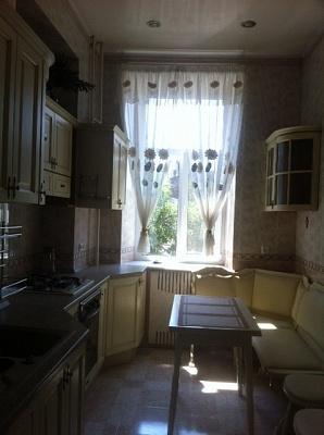 3-комнатная квартира посуточно в Одессе. Приморский район, ул. Базарная, 32. Фото 1