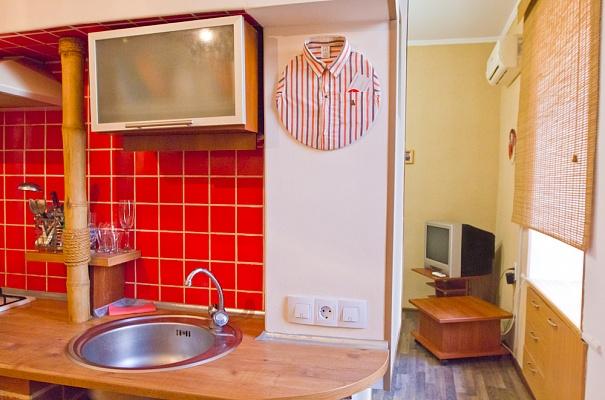 1-комнатная квартира посуточно в Одессе. Приморский район, ул. Екатерининская, 39. Фото 1
