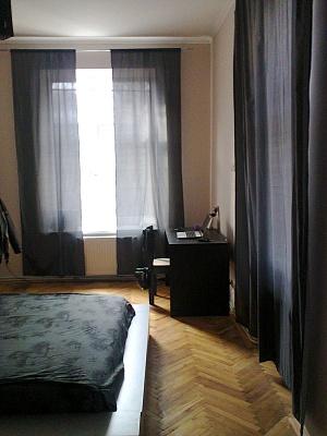 1-комнатная квартира посуточно в Львове. Лычаковский район, ул. Заньковецкой, 7. Фото 1