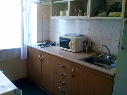2-комнатная квартира посуточно в Киеве. Голосеевский район, Красноармейская , 114. Фото 1