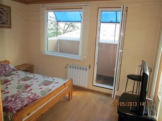 2-комнатная квартира посуточно в Алуште. ул. 50 лет октября, 3. Фото 1