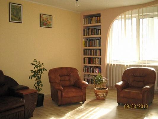 3-комнатная квартира посуточно в Киеве. Дарницкий район, Гришка, 9. Фото 1