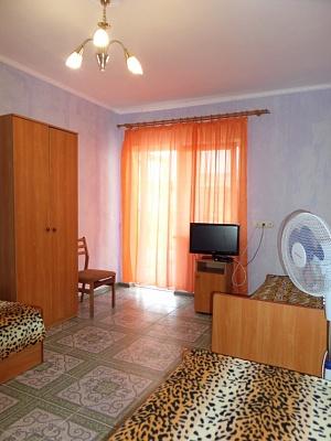 Мини-отель  посуточно в Заозёрном.  ул. Тенистая, 10. Фото 1