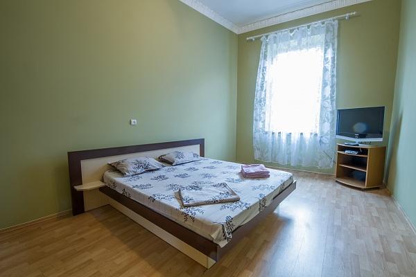 2-комнатная квартира посуточно в Львове. Галицкий район, ул. Ярослава Мудрого , 14. Фото 1