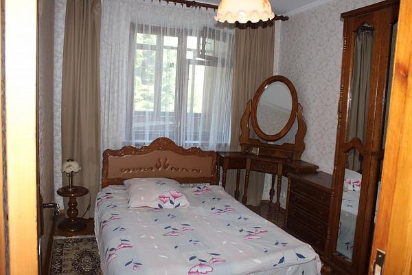4-комнатная квартира посуточно в Ровно. ул. Кавказская, 1. Фото 1