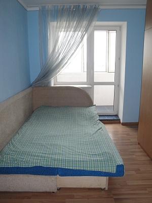 2-комнатная квартира посуточно в Тернополе. ул. Тролейбусная, 17. Фото 1