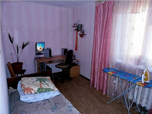 2-комнатная квартира посуточно в Евпатории. ул. Демышева, 130. Фото 1