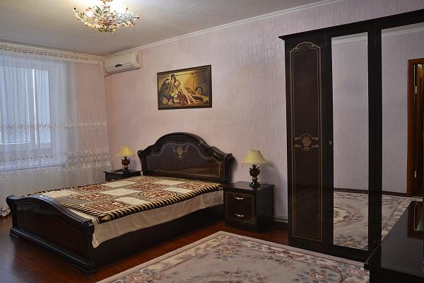 3-комнатная квартира посуточно в Коктебеле. пер. Долинный, 17. Фото 1