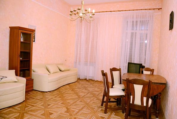 2-комнатная квартира посуточно в Львове. Галицкий район, ул. Глебова, 10. Фото 1