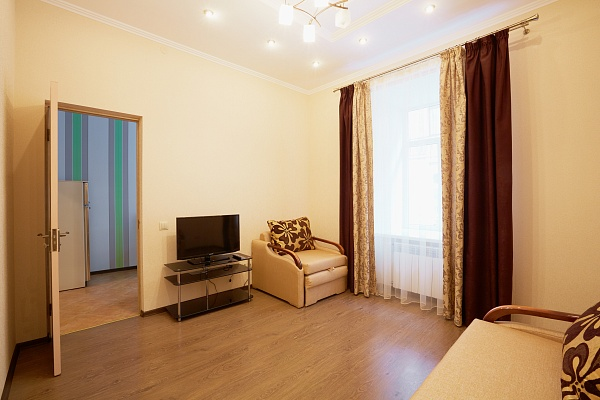 1-комнатная квартира посуточно в Львове. Галицкий район, пл. Вечевая , 1а. Фото 1