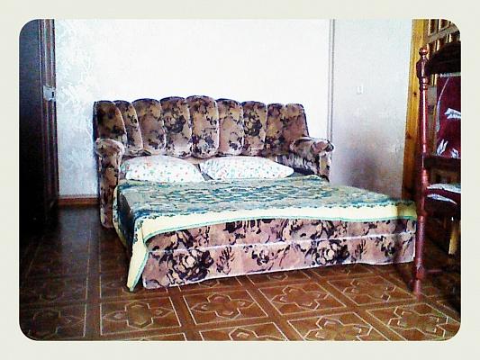 1-комнатная квартира посуточно в Евпатории. ул. Фрунзе, 34. Фото 1