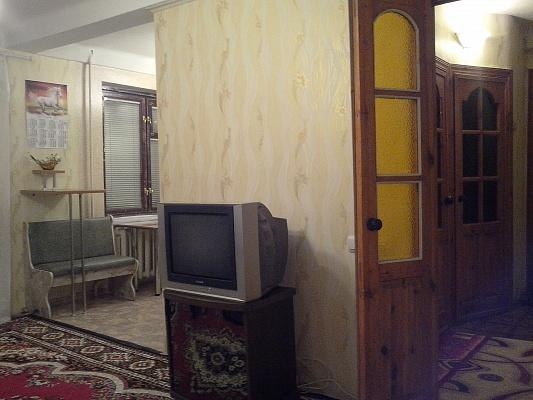 3-комнатная квартира посуточно в Алчевске. ул. Ленина, 47. Фото 1