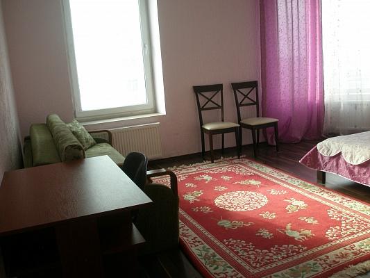 2-комнатная квартира посуточно в Киеве. Дарницкий район, Днепровская набережная , 26-б. Фото 1