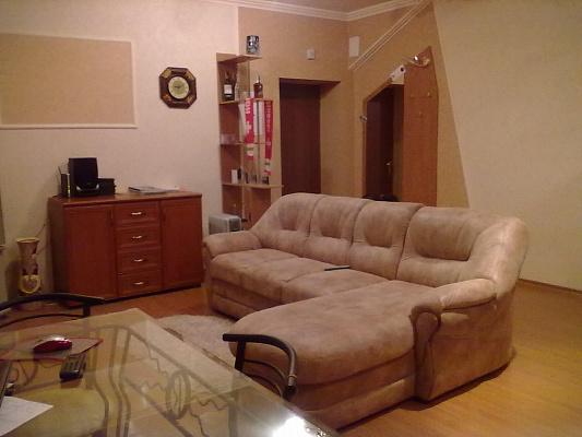 2-комнатная квартира посуточно в Донецке. Ворошиловский район, Университетская, 38а. Фото 1