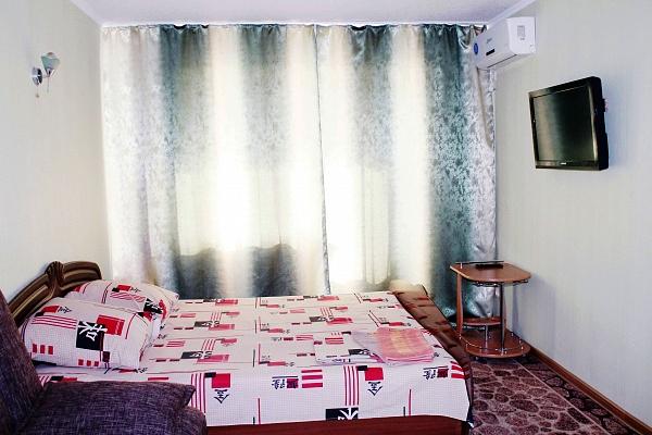 1-комнатная квартира посуточно в Мариуполе. пр-т Ленина, 74. Фото 1