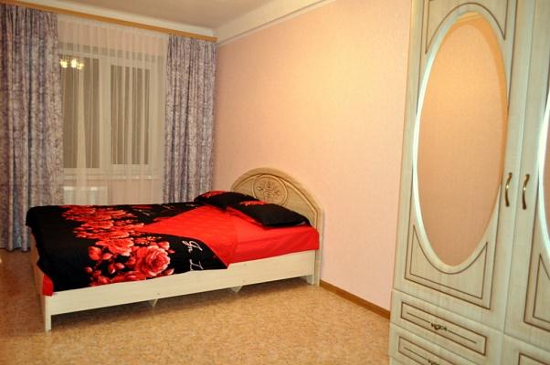2-комнатная квартира посуточно в Донецке. Киевский район, пр-т Засядько, 10. Фото 1