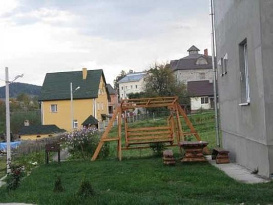 Дом  посуточно в Сходнице. ул. Промышленная. Фото 1