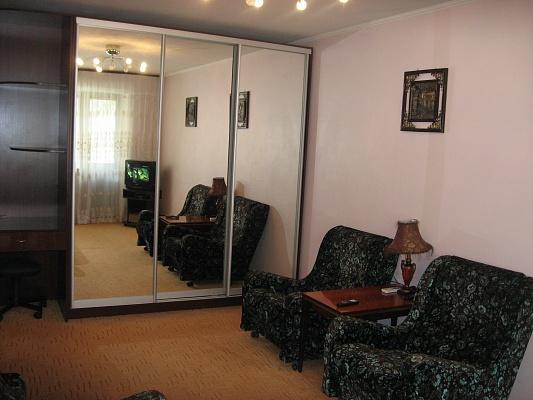 1-комнатная квартира посуточно в Одессе. Приморский район, пр-т Шевченко, 23. Фото 1