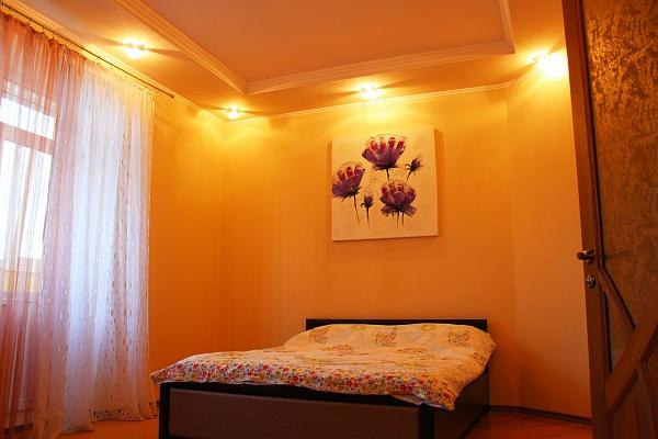 2-комнатная квартира посуточно в Ровно. ул. Струтинской, 2Б. Фото 1