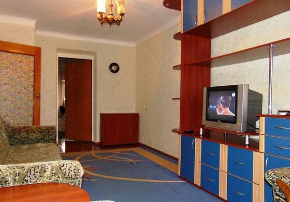 2-комнатная квартира посуточно в Житомире. ул. М.Грушевского (Котовского), 14. Фото 1