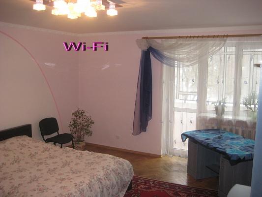 1-комнатная квартира посуточно в Львове. Франковский район, ул. Сахарова, 58. Фото 1