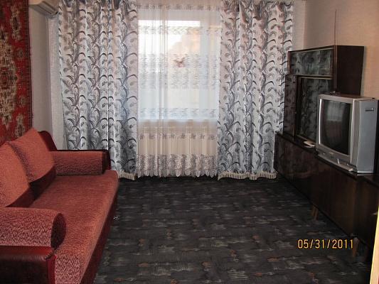 3-комнатная квартира посуточно в Бердянске. ул. Тищенко, 2. Фото 1