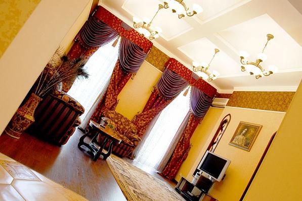 3-комнатная квартира посуточно в Одессе. Приморский район, ул. Садовая, 11. Фото 1