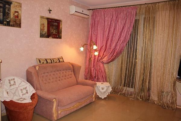 2-комнатная квартира посуточно в Одессе. Приморский район, ул. Гоголя, 6. Фото 1
