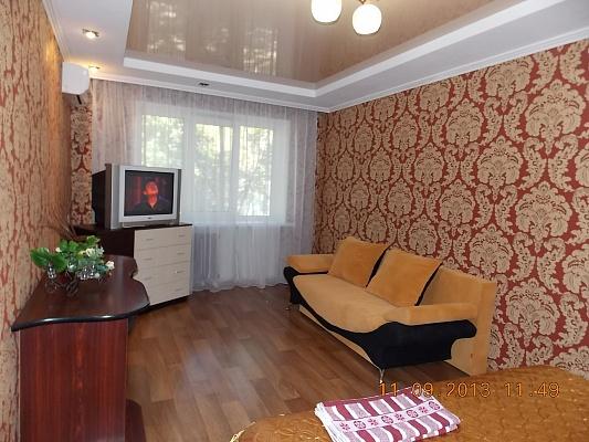1-комнатная квартира посуточно в Горловке. ул. Пушкинская, 35. Фото 1