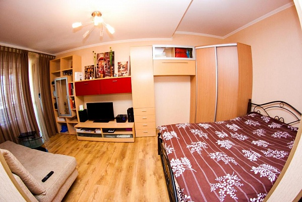 1-комнатная квартира посуточно в Одессе. Приморский район, б-р Французский, 13. Фото 1