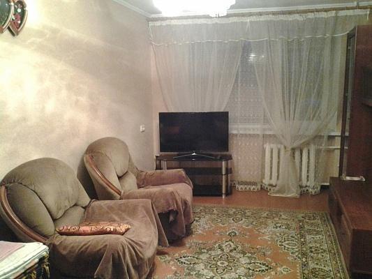 2-комнатная квартира посуточно в Ильичёвске. ул. Гайдара, 5. Фото 1
