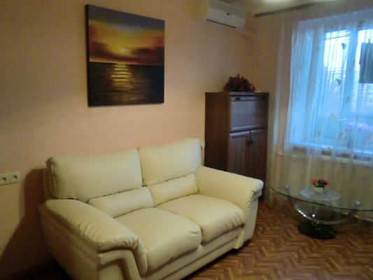 1-комнатная квартира посуточно в Одессе. Киевский район, Левитана, 101-а. Фото 1