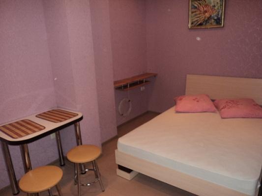 1-комнатная квартира посуточно в Алупке. ул. Калинина, 28. Фото 1