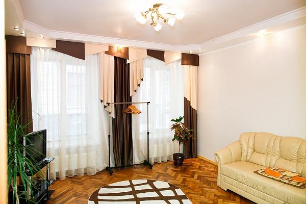 1-комнатная квартира посуточно в Львове. Галицкий район, ул. Глибова, 8. Фото 1