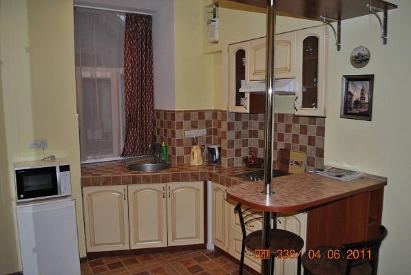 1-комнатная квартира посуточно в Львове. Галицкий район, ул. Армянская, 18. Фото 1