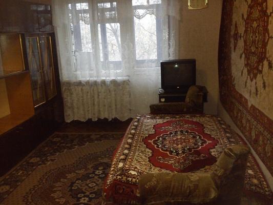 2-комнатная квартира посуточно в Енакиево. пр-т 50 лет Октября, 1. Фото 1