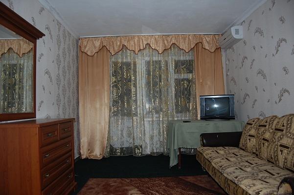 1-комнатная квартира посуточно в Умани. ул. Тищика , 31. Фото 1