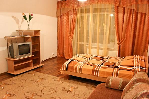 1-комнатная квартира посуточно в Тернополе. ул. Живова, 37. Фото 1