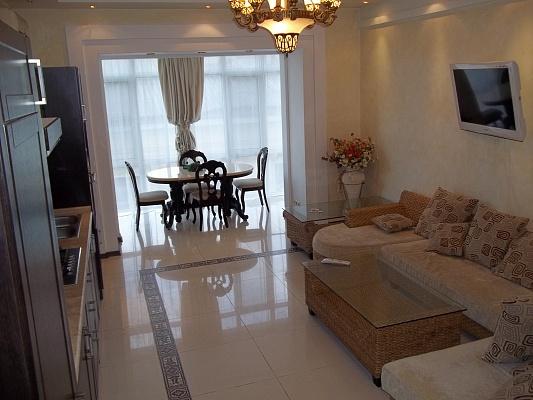 4-комнатная квартира посуточно в Одессе. Приморский район, ул. Дерибасовская, 12. Фото 1