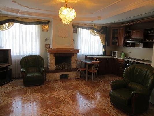 2-комнатная квартира посуточно в Партените. ул. Победы, 10. Фото 1
