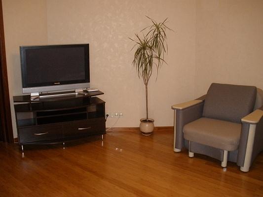 1-комнатная квартира посуточно в Броварах. ул. Грушевского, 21. Фото 1