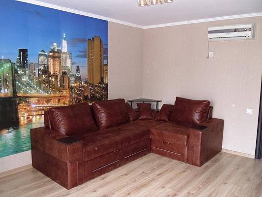 2-комнатная квартира посуточно в Алуште. ул.Перекопская , 4. Фото 1
