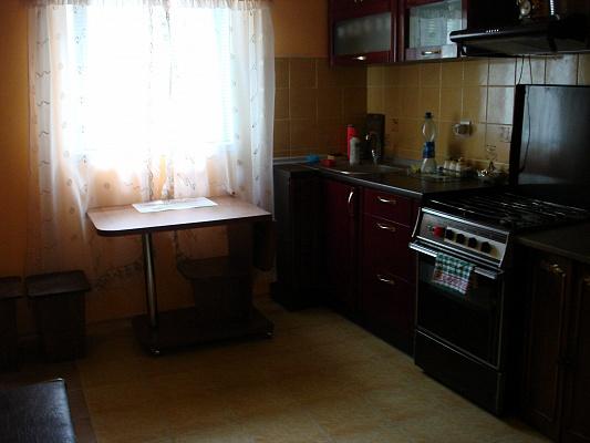 3-комнатная квартира посуточно в Бердянске. ул. Пушкина, 3. Фото 1